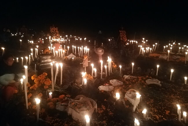 Toursenmorelia-travel-Image3_Noche de Muertos-6