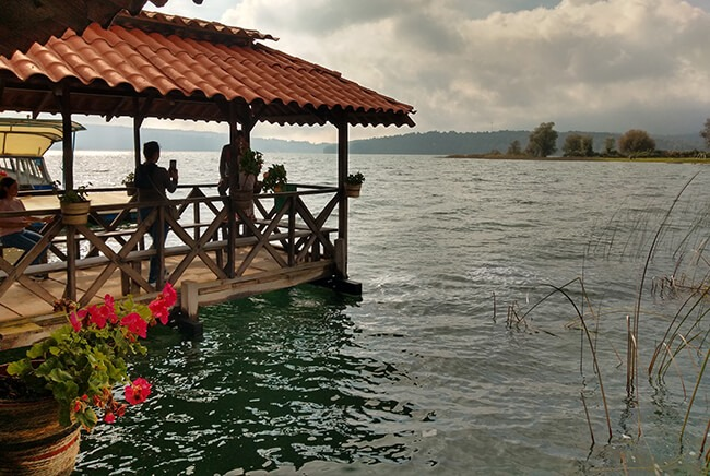 Toursenmorelia-travel-Image3_santa-clara-del-cobre-lago-de-zirahuen_3